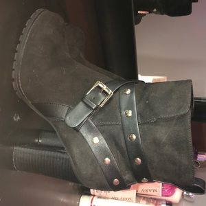 Apt 9 Defined Comfort Black Heeled Boots
